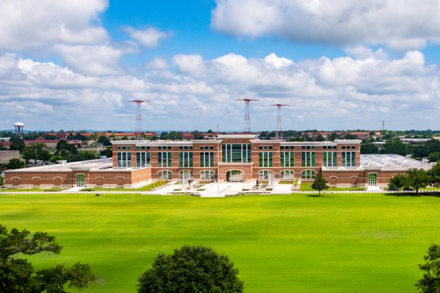 Fort Benning partnership provides pathway to the MBA for military