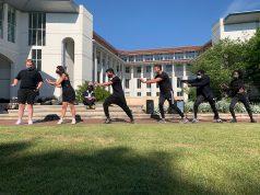 Goizueta students participate in a dance class